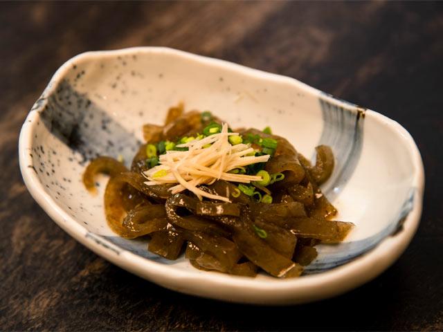 博多のおきゅうとに似ている巻きえごは、生姜醤油で。