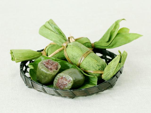 端午の節句や田植えの季節、そして五穀豊穣を祈る神事に欠かせない郷土菓子。
