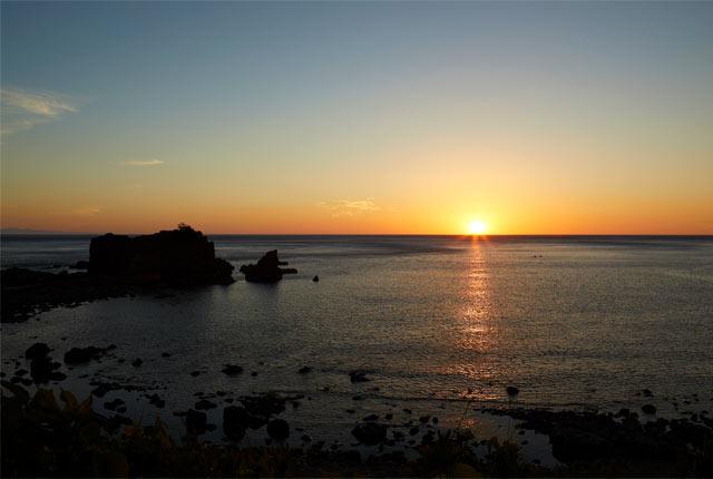 粟島から眺める夕日