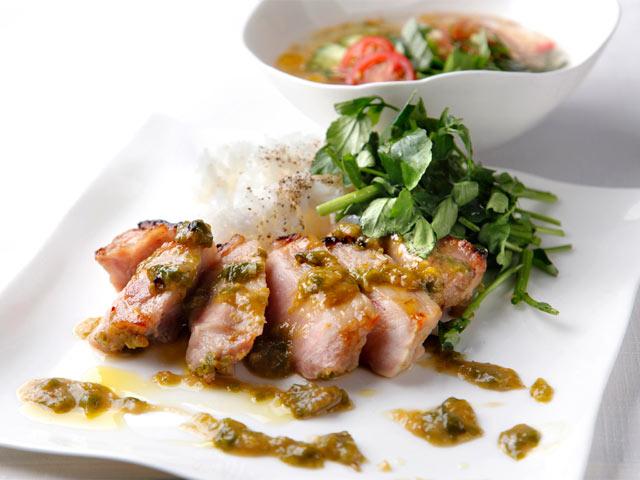 食堂〈TSUMARI KITCHEN〉のランチ料理