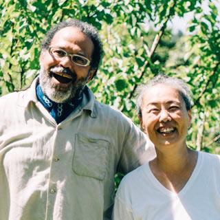 マーカス・ソトさん、山崎智子さん夫妻
