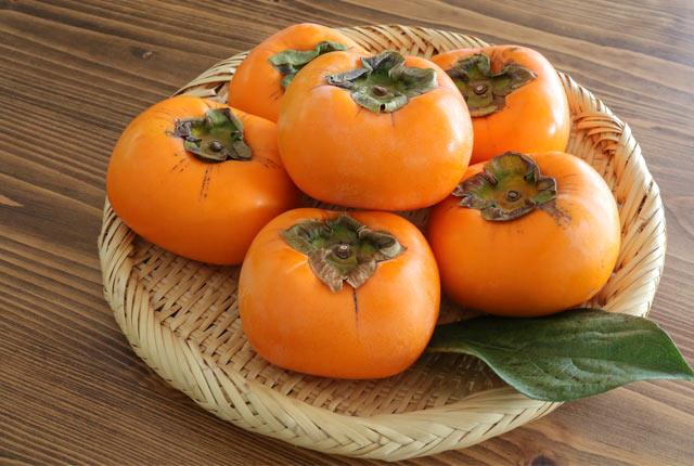 新潟の秋を告げるおけさ柿