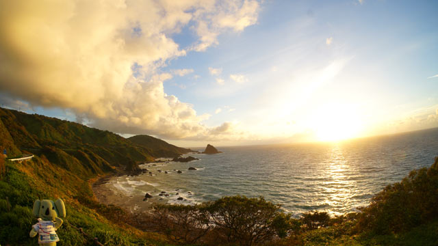 粟島の西海岸の夕日スポット