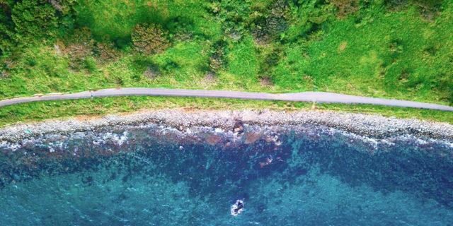 ドローンで一目瞭然! この島がサイクリングに最適な3つの理由