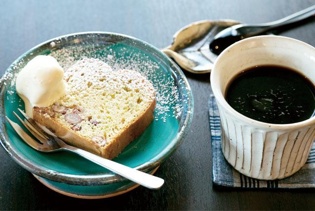 「十日町コーヒー」と「季節のケーキ」