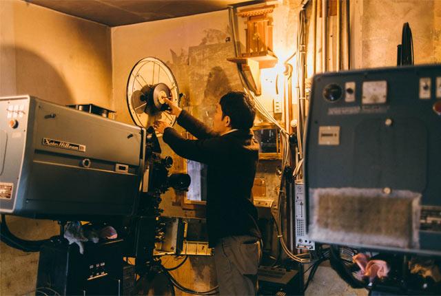 新潟県上越市にある〈高田世界館〉の映写機