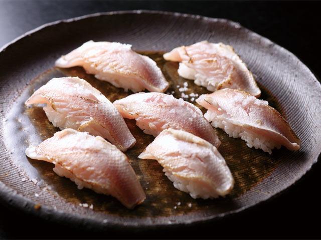 新潟県を代表する高級魚ノドグロの握り