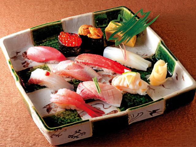 地魚を中心とした「極み」(10貫3000円)