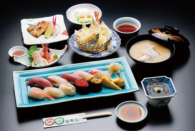 「寿司懐石」(5500円)
