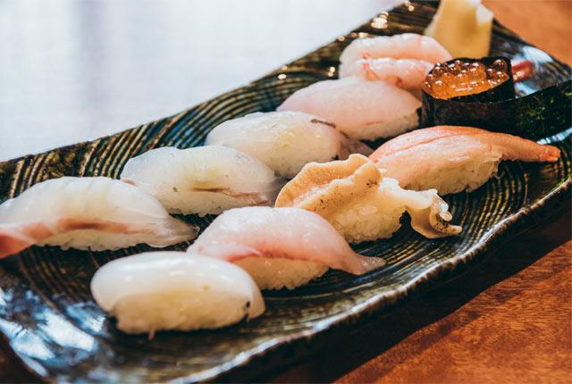 〈重寿し〉の地魚にぎり