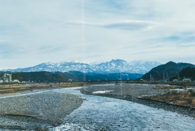 〈雪月花〉の車窓からの景色