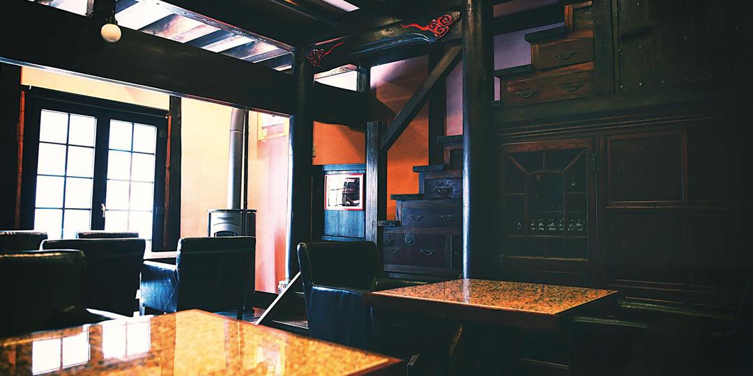 ノスタルジックなムードで。歴史を感じる古民家カフェ
