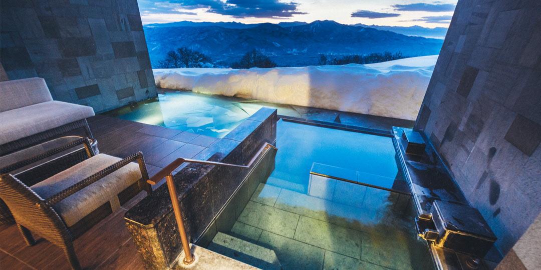 おでかけコロカル新潟編・雪原の世界〈赤倉観光ホテル〉で大自然を眺望する贅沢なひとときを