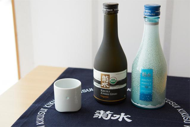 〈純米吟醸 オーガニック清酒〉と〈PERFECT SNOW〉