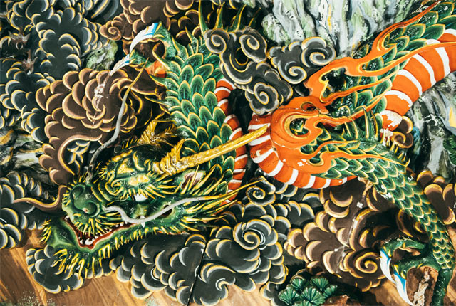龍神の彫刻