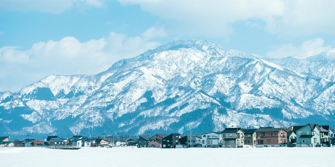 東京から近い別世界。美しい景色と雪国文化が残る地域