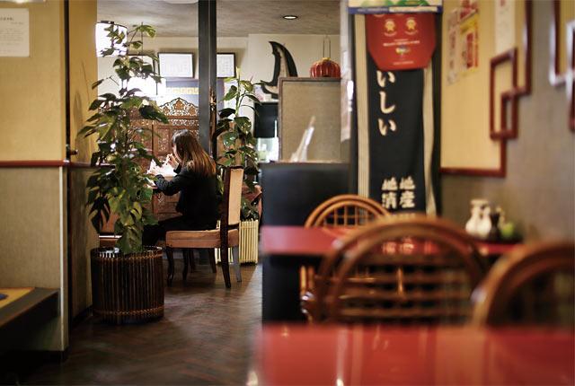 〈王華飯店〉の店内