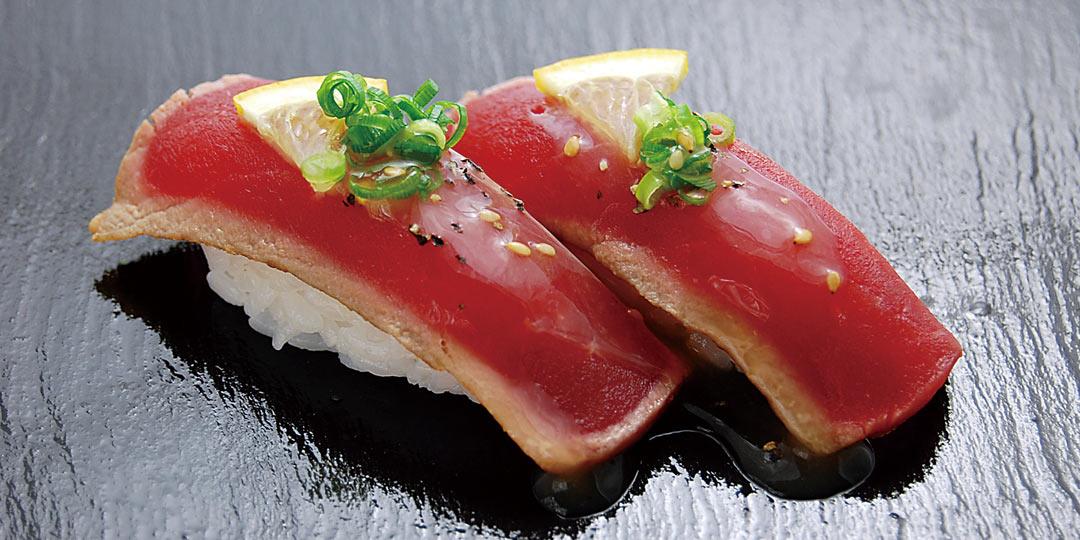 新潟県燕市〈鼓響 吉田店〉で寿司割烹の味わいを、手軽な回転寿司で堪能!