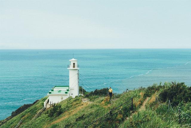 角田岬灯台の遠景