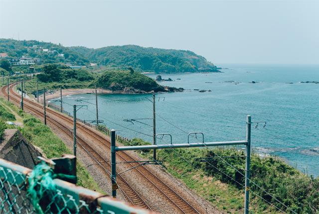 海岸線沿いの線路