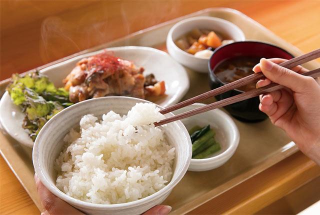 炊きたてのお米と生姜焼き