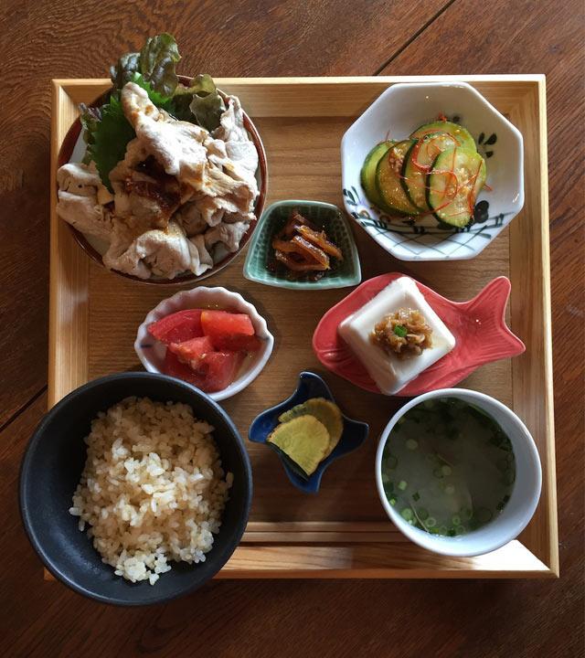 kocher(コヘル)で提供する定食