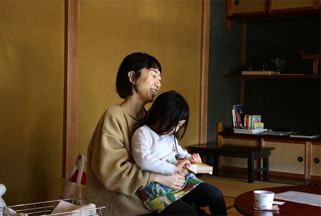 佐藤聡恵さんとお子さん