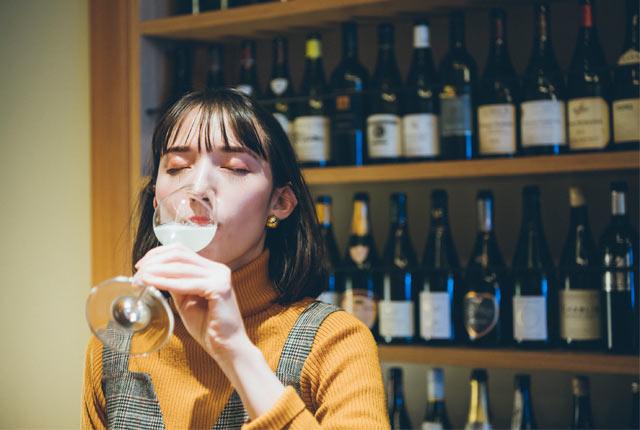 スパークリング日本酒を飲む