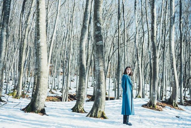 美人林の中の斉藤アリスさん
