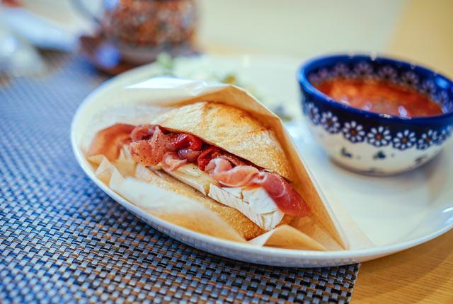 〈しまふうみ〉のお総菜パン