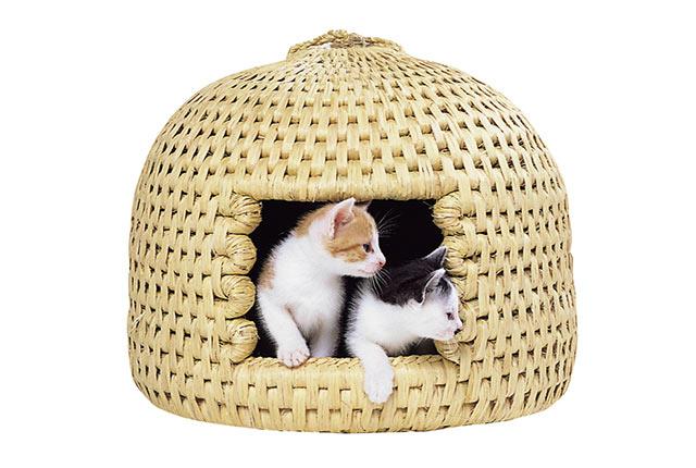 関川村の伝統民芸品、猫ちぐら