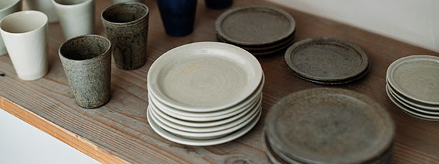 青人窯の丸皿