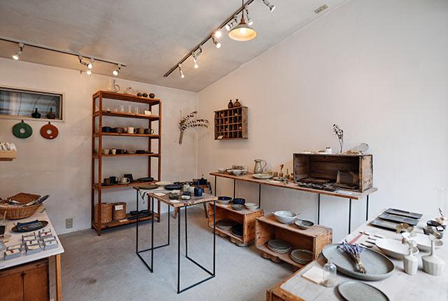 青人窯のショップスペース