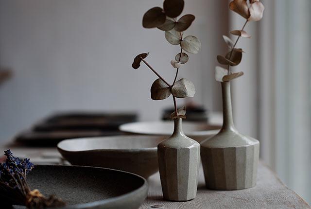 工房に飾られた花瓶