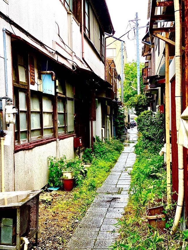新潟市古町の路地裏