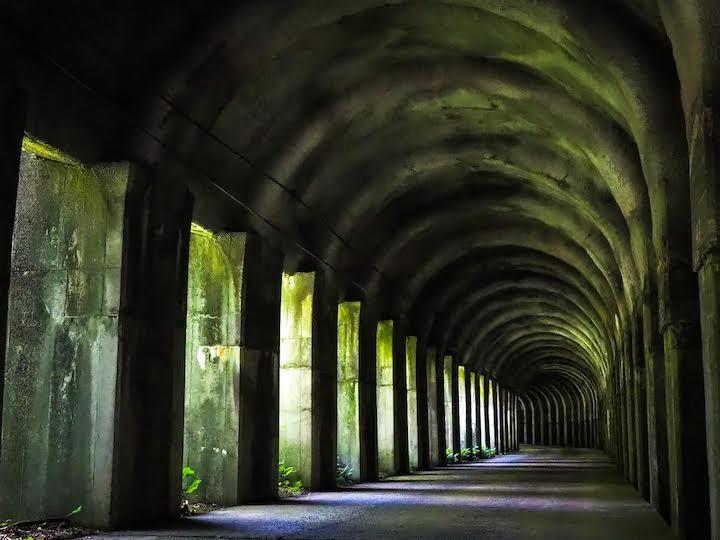 東赤谷連続洞門