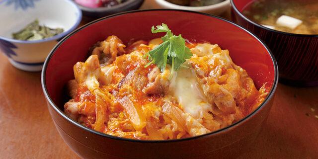 新潟市〈しまや別邸〉の特上親子丼は、ランチの看板メニュー!