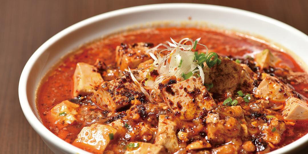 長岡市〈拉麺 天弓 TENQ〉の麻婆麺は、全身がシビれる辛さにリピーター続出!