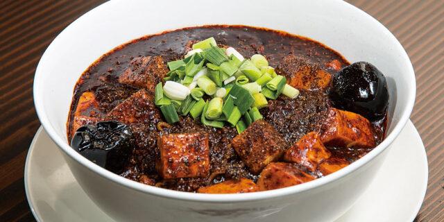 上越市〈龍馬軒〉の麻婆麺は、ガツンとくる超濃厚仕上げ