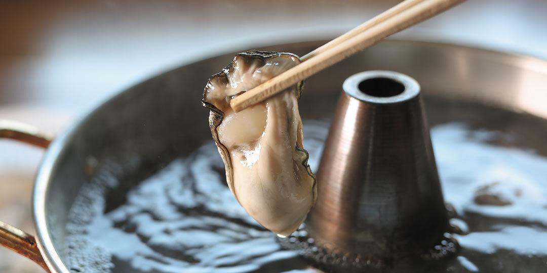 佐渡市〈牡蠣料理 あきつ丸〉でとれたてを贅沢にカキしゃぶで!