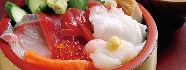 〈長浜荘 魚道場〉の海鮮丼