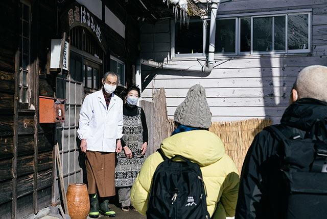 オーナーの岡田均さんと孝子さん