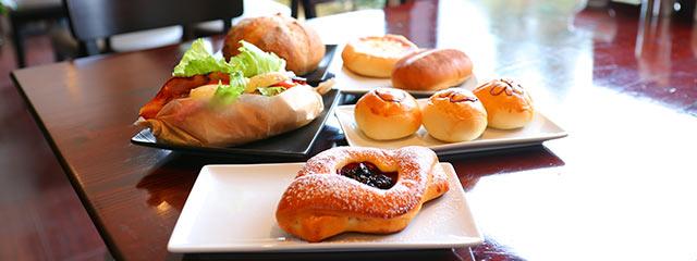 〈GROWRENCE CAFE〉の自家製パン