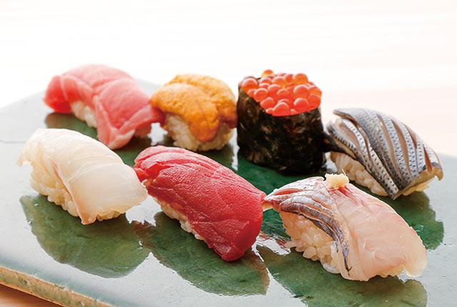 〈鮨 登喜和〉の寿司